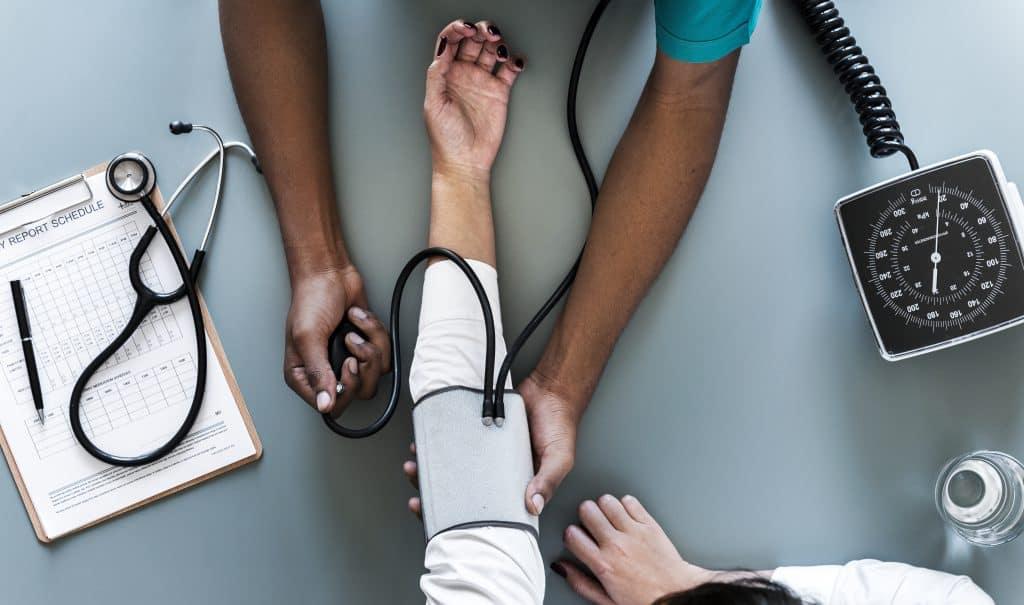 mierz regularnie ciśnienie krwi minimum raz na rok gdy nie masz objawów choroby